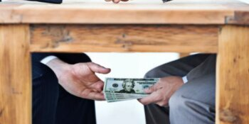 Onrechtmatig 5,1 miljard euro belastinggeld verspilt
